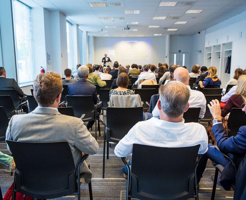 Conferentie in meeting room Combi in Greenhouse Mechelen