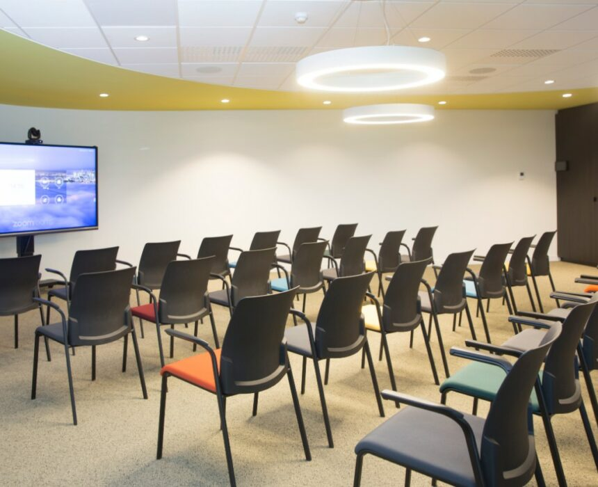 Curie is a spacious conference room in Greenhouse BXL