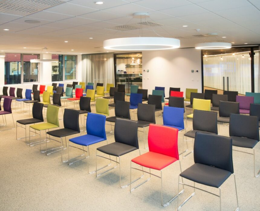 Newton – Pasteur is a spacious meeting room in Greenhouse BXL