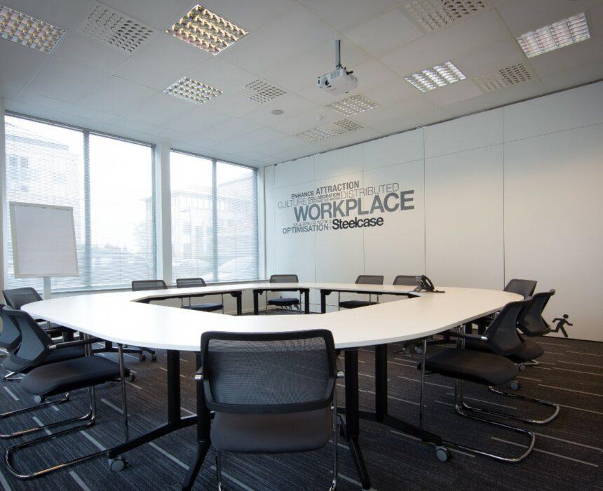 Koneksa meeting room in Greenhouse Mechelen