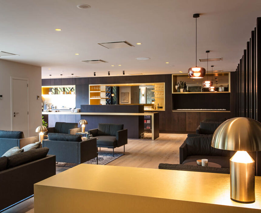 Overzicht van de lounge in Boardroom
